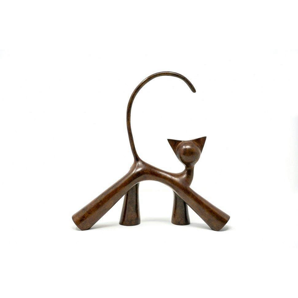 Chaloupé, sculpture en bronze patiné de chat en marche